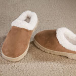 Comfy & Cozy - Women's Suede Slippers