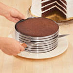 Thanksgiving Cooking Helpers - Cake slicer