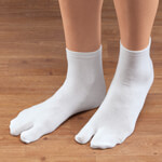 Footwear & Hosiery - Split-Toe Flip Flop Socks, 1 Pair