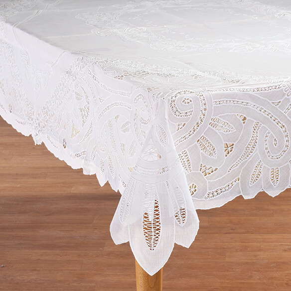 Battenburg Vinyl Lace Table Cover