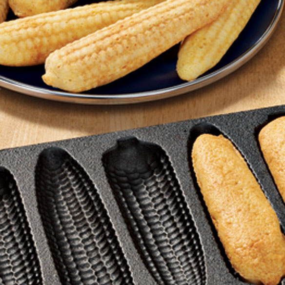 Cast-Iron Corn Bread Pan - Corn Cobs - View 2