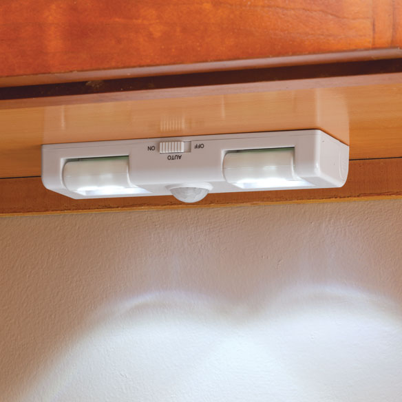8 LED Motion Sensor Light - View 2