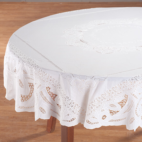 Battenburg Vinyl Lace Table Cover - View 2