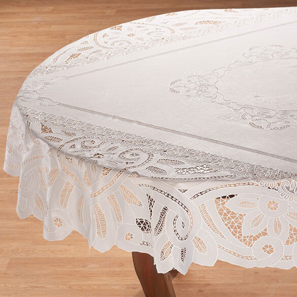 Battenburg Vinyl Lace Table Cover - View 3